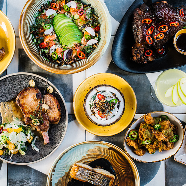 Bungalow Bar And Restaurant: Tropical Themed Bar & Restaurant On Darling Harbour